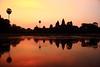 angkor wat (jf_sanroman) Tags: red contrast sunrise temple rojo amanecer contraste angkor wat templo camboya cambiodía