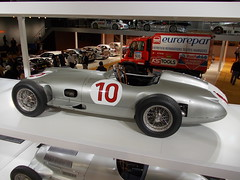 Mercedes-Benz W196 R Grand Prix 1955 (Zappadong) Tags: auto classic 1955 car silver essen automobile grand voiture prix coche r mercedesbenz classics techno oldtimer arrow oldie carshow 2014 youngtimer automobil classica silberpfeil monoposto w196 silverarrow oldtimertreffen silberpfeile zappadong