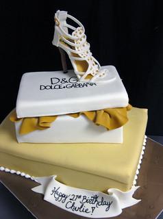 Dolce Gabana Shoe Cake med