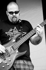 Rob Newman (Trev Earl) Tags: blackandwhite monochrome festival canon livemusic performance entertainment 5d liveband fullframe lserieslens waitforjude