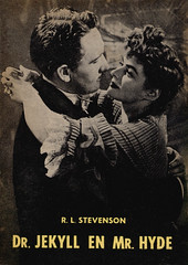 Weekend Boek nummer 3 (uk vintage) Tags: mgm ingridbergman drjekyllandmrhyde photocover spencertracy weekendboek drjekyllenmrhyde thestrangecaseofdrjekyllandmthyde rlstevensonrobertlouisstevensonpicture