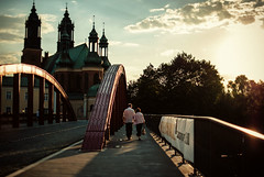 evening strolls (ewitsoe) Tags: city bridge sunset summer people sun church water 35mm couple cityscape cathedral walk area breeze stroll manandwoman poznan sunets poalnd ostrowtumski nikond80 ewitsoe eriekwitsoe