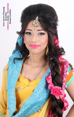 "Z Bridal Makeup Training Academy  86 • <a style=""font-size:0.8em;"" href=""http://www.flickr.com/photos/94861042@N06/14759210124/"" target=""_blank"">View on Flickr</a>"
