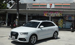 Audi SUV at a 7 eleven (D70) Tags: mueangphuket phuket thailand audi suv 7 eleven