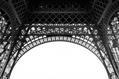 Eiffel (like / want / need) Tags: paris march spring printemps 7eme eiffeltower eiffel latoureiffel toureiffel champsdemars blackandwhite