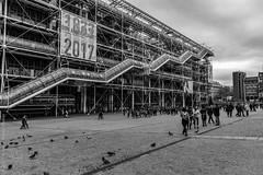 Anniversaire. Paris, avril 2017 (Bernard Pichon) Tags: paris îledefrance france fr bpi760 pompidou