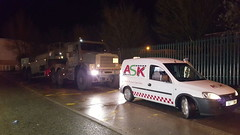 One Of Our Service Vans attending A Fault On an Oshkosh (JAMES2039) Tags: tow towtruck truck lorry heavy 6wheeler 4wheeler cardiff rescue breakdown night ask askrecovery recovery