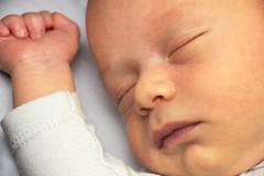 Diego (Eduardo Valero Suardiaz) Tags: mano hand cara durmiendo dormir sleeping sleep bebe child baby diego macro face madrid espaãƒâ±a