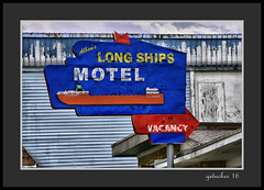 Long Ships (the Gallopping Geezer '4.5' million + views....) Tags: sign signs signage business store storefront ad advertise advertisement smalltown backroads backroad saultstmariemi michigan upperpeninsula up roadtrip canon 5d3 tamron 28300 geezer 2016 longshipsmotel motel longships room rooms stay roomforthenight rent vacancy
