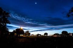 Após o por do sol (Luiz Leite7) Tags: amarelo arvores azul branco brilho campo chão clarão contraluz cores céu escuro estrelas folhas horizonte luz mato nuvens plantas postes sombra vermelho