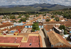 View from Iglesia y Convento de San Francisco, Trinidad, Cuba (JH_1982) Tags: iglesia y convento de san francisco observation tower observatory deck view blick aussicht architecture historic landmark buildings unesco world heritage site colonial urban urbanity city center centre roofs roof rooftop gsierra del escambray mountain mountains trinidad 特立尼达 トリニダ 트리니다드 тринидад त्रिनिदाद cuba kuba 古巴キューバ 쿠바 куба क्यूबा كوبا
