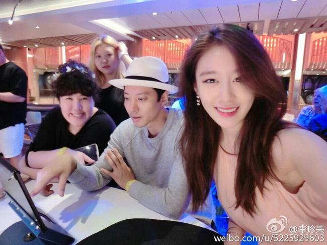 Khác biệt giữa cách hẹn hò của Lee Dong Gun với Jiyeon và tình mới - Ảnh 6.