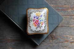 DSC_8121 (coloursandsoul) Tags: vintage porcelain trinket box