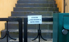 Attention (MAPNANCY) Tags: escalier pancarte attention