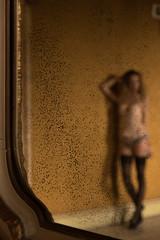 Blurry (albi_tai) Tags: desio lingerie villatittoni albitai albimont modella sfuocato outoffocus fuorifuoco bokeh muro posa ritratto studio studio157 bt luce donna persone nikon nikond750 d750 francescasusannacionti boudoir specchio mirror blur