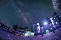 清境農場~城堡銀河~ Castle milkyway (Shang-fu Dai) Tags: 台灣 taiwan 南投 nikon d800e sky landscape formosa galaxy 銀河 星空 tokinadx1017mm 魚眼 milkyway 清境農場 城堡 夜景