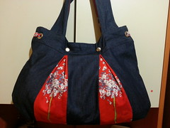 20170424_150548 (ykiymet) Tags: bag çanta handmade handmadebag canta handbag fabric sew indoor pattern bahar spring red denim