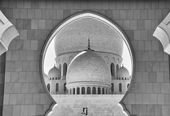 Middle Dome, Sheikh Zayed Grand Mosque, Abu Dhabi (RJ-Clicks) Tags: rehanjamil rjclicks nikond5100 nikon d5100 pakistaniphotographer photographerindammam photographerinkhobar pakistani