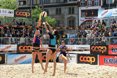 PG0O8714_R.Varadi-fotogalerie-rv.ch (Robi33) Tags: show summer game sport ball court switzerland sand play action competition basel victory player beachvolleyball international block umpire viewers