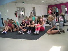 "zomerspelen 2013 hiphop clinic • <a style=""font-size:0.8em;"" href=""http://www.flickr.com/photos/125345099@N08/14220557649/"" target=""_blank"">View on Flickr</a>"