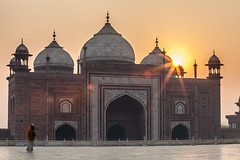 Taj Sunrise 2208 (Ursula in Aus - Away Travelling) Tags: india architecture taj tajmahal mosque unesco masjid uttarpradesh earthasia