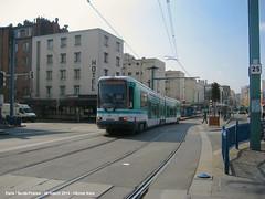 Gare de Noisy-le-Sec (ernstkers) Tags: paris trolley tram streetcar t1 ratp tranvia elctrico tramvia strasenbahn