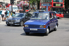 Metrocab W366 ULO (kenjonbro) Tags: uk blue england london westminster taxi trafalgarsquare sunny charingcross themall sw1 hackneycarriage metrocab worldcars londonblackcab kenjonbro canoneos5dmkiii kencorner canonzoomlensef9030014556 w366ulo