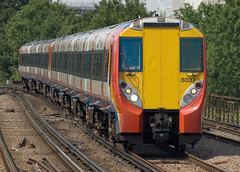 458027 Clapham Junction (RyanTaylor1986) Tags: uk west london electric train south rail trains class southern third multiple commuter emu passenger southeast alstom region juniper unit swt 458 4580