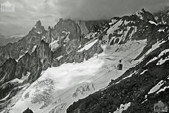 funivia, cableway (paolo.gislimberti) Tags: blackandwhite mountains alps montagne glaciers alpi biancoenero montebianco massif valledaosta mountainlandscape mountblanc aostavalley ghiacciai massiccio paesaggiodimontagna
