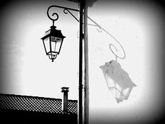 Lanterne in Mornac2 (Michelle Seigneurin) Tags: mer île océan oléron littoral michelleseigneurin miseign miseign17