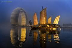(damayantha_wijeyesekera) Tags: china mist fog sunrise junk hungzhou cmphoto chrismclennan flickrandroidapp:filter=none chrismclennanphotography sheratonhuzhou