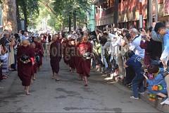 30099724 (wolfgangkaehler) Tags: 2017 asia asian southeastasia myanmar burma burmese mandalay mahagandayonmonastery mahagandayonmonastary people person monks buddhist buddhistmonasteries buddhistmonastery buddhistmonk buddhistmonks almsceremony almsbowls meal