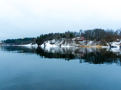 Sunset in Oslo islands-28 (María Arencibia) Tags: oslo norway scandinavia travel snow winter nature trees tree ocean island fjord boat water sky sunset sunrise houses wood landscape