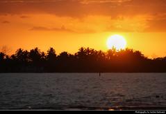 Sunset, Bahía de Cochinos, Playa Larga, Cuba (JH_1982) Tags: silhouette silhouettes red yellow orange glow cloud clouds cloudy landscape scenery scenic sunset ocaso sonnenuntergang coucherdesoleil pôrdosol tramonto закат zonsondergang zachódsłońca solnedgång solnedgang auringonlasku apus залез matahariterbenam mặttrờilặn 日落 日没 evening sun light bay pigs bahía bahia de cochinos schweinebucht gulf cazones baie des cochons baía dos porcos baia dei porci 豬玀灣 코치노스 만 кочинос playa larga cuba kuba 古巴キューバ 쿠바 куба क्यूबा كوبا