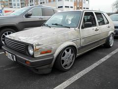 1988 Volkswagen Golf GL (splattergraphics) Tags: 1988 volkswagen golf vw volksrod slammed carshow huntvalleyhorsepower huntvalleytownecentre huntvalleymd