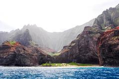 na pali (-Mina-) Tags: usa hawaii kauai napali nature coast cliffs ocean boat