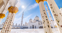 _MG_9092_web - Backlit Sheikh Zayed Mosque scape (AlexDROP) Tags: 2017 abudhabi uae emirates travel wideangle sun backlit architecture color city urban daytime scape circpl mosque canon6d ef16354lis best iconic famous mustsee picturesque postcard tower hdr