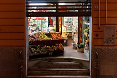 No clients (Edwin Verhulst) Tags: italia italy bologna grocery vegetables fruit food store evening
