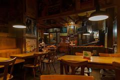Kneipe (Neue Eule) Tags: frankfurtammain kneipe pub nachts night germany