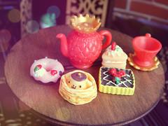 image111 (sweet_orange) Tags: doll blythe cat cake tea dolci