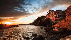 Riomaggiore Sunset (levibohnacker) Tags: riomaggiore cinque terre 5terre 5 italy italien sunset sonnenuntergang evening abend abendlich ocean ozean mittelmeer mediterranean wasser water bunt colorful coast küste dorf village sky city harbour light day landscape landschafr vacation holiday sun clouds mountain architecture old panorama sunshine weather sea