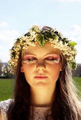Kirschbluten (Lotte Heller) Tags: makeup augen frhling hairstyling unschuld