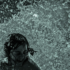 Ola!! (Ignacio M. Jiménez) Tags: andalucia españa espana spain andalusia torremolinos malaga málaga agua ola mar bn bw byn tufototureto cruzadasi thechallengefactory thepinnaclehof tphofapril2015 mpt439 matchpointwinner walkoffameawardwinner hollywoodlegendsawardwinner ignaciomjiménez wow