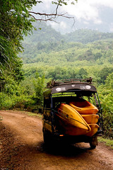 laos-kayaking-kayaks-in-back-of-truck-on-dirt-road-in-forest-tiger-trail-28.jpg (Tiger Trail Laos) Tags: travel river southeastasia kayak tour adventure kayaking laos luangprabang tigertrail