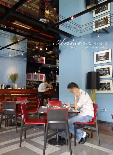 18 cafe 004.jpg