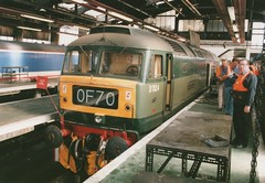 """Celebrity BR Two-Tone Green Class 47/0, D1524/47004 """"Old Oak Common Traction & Rolling Stock Depot"""" (37190 """"Dalzell"""") Tags: london br spoon duff lls class47 d1524 47004 brush4 class470 twotonegreen stratforddepot oldoakcommontractionrollingstockdepot celebrityrepaint lancashirelocomotivesociety"""