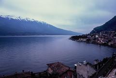 0019 (Pablo Margulies) Tags: italy film lago garda italia fuji pentax slide velvia fujifilm velvia100 sal pz1p sigma24mmf28 z1p