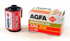 Agfa, film Agfacolor XRG 200 (Allemagne, ca 2006) (Cletus Awreetus) Tags: film photographie 135 agfa couleur bote cartouche ngatif pellicule emballage 24x36 agfacolor xrg200
