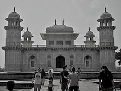 Agra (wsrmatre) Tags: blackandwhite bw blancoynegro monochrome monocromo bn blancetnoir ericlpezcontini ericlopezcontini ericlopezcontinifoto ericlopezcontiniphoto ericlopezcontiniphotography wsrmatrephotography wsrmatre