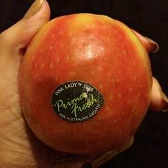#กินผลไม้ #ลดน้ำหนัก #จงผอมมมม #ลูกไม่ค่อยสวย #แต่อร่อยมากกกก #หวาน #กรอบ